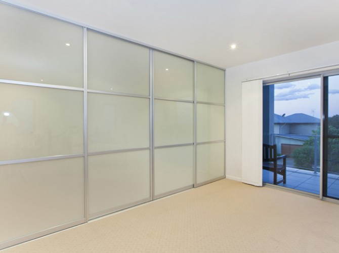 Glass room divider interior sliding doors customcote glass for Window dividers
